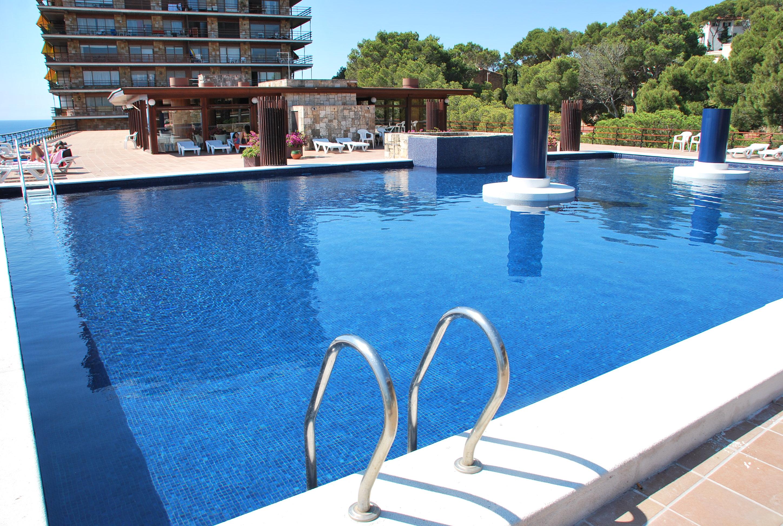 Gresite reindesa mantenimiento de piscinas for Gresite para piscinas