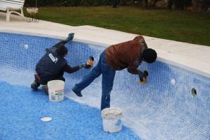 Borada para el rejuntado del gresite de piscinas - Precio gresite piscina ...