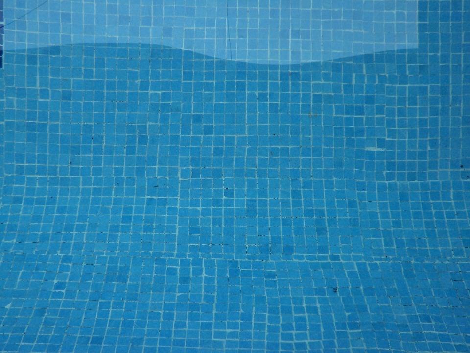 Blog y consejos para piscinas spa m s de 40 a os de - Como limpiar el fondo de una piscina ...