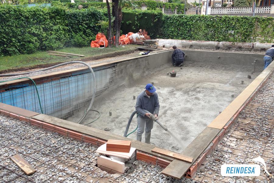 Reparacion de piscinas rehabilitacion piscinas hormigon for Como se hace una pileta de material