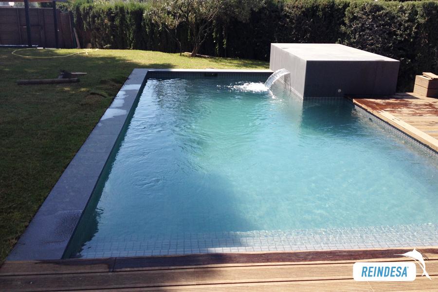 Reindesa piscina privada sant andreu de llavaneres for Piscina sant andreu