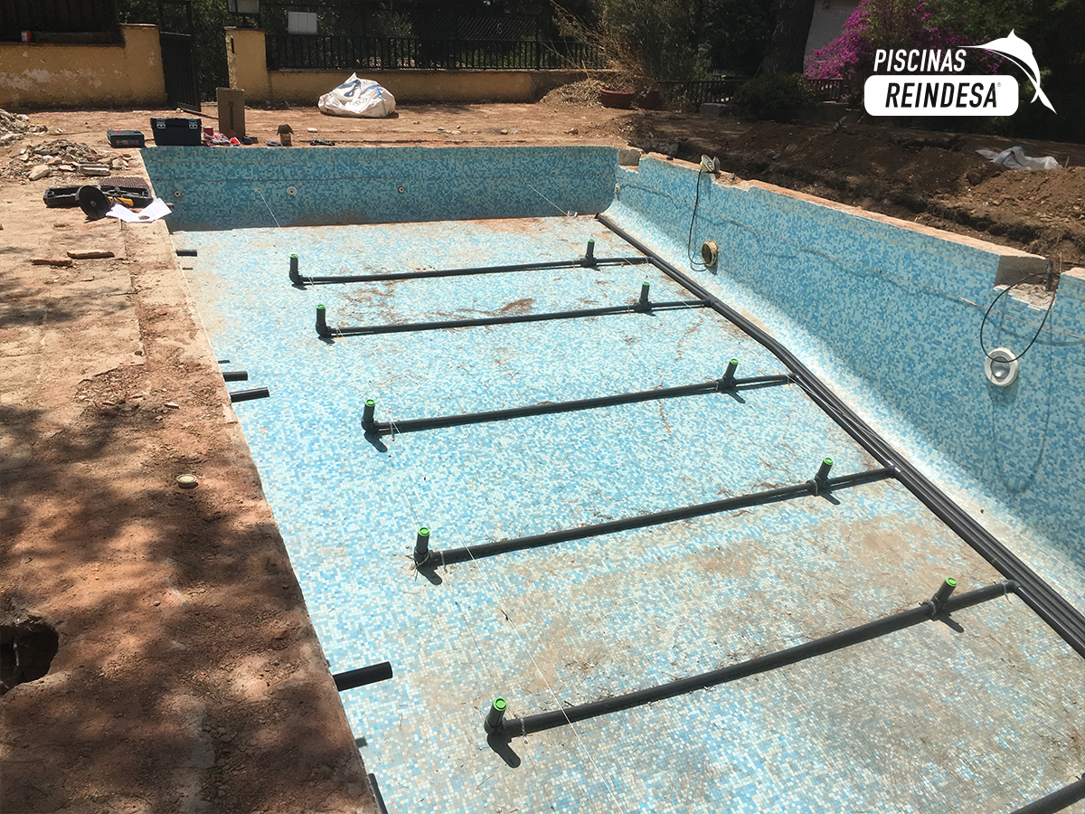 Piscinas barcelona construccin de piscinas en barcelona for Piscina creueta del coll